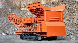 1,000TPH track mounted mobile unit fed by front end loader