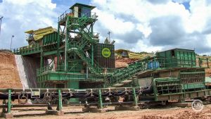 4 x 6,500TPH Sizer units processing overburden